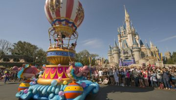 Disney Festival of Fantasy Parade: Mickey's Airship