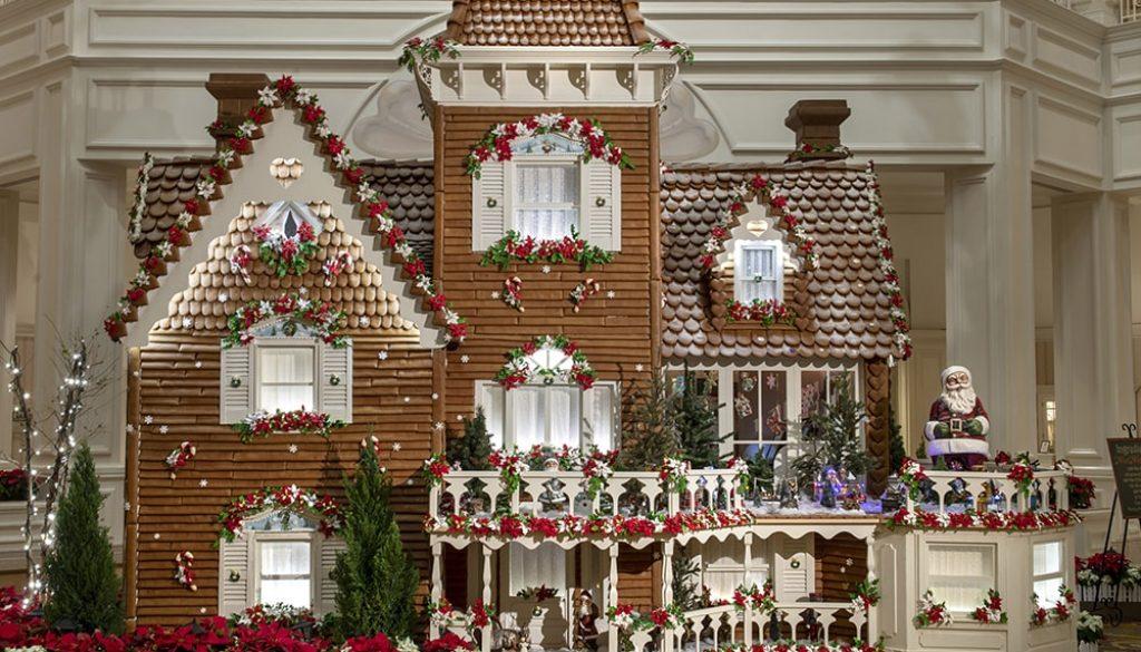 Gingerbread House 3 - Kent Philips via WDW News