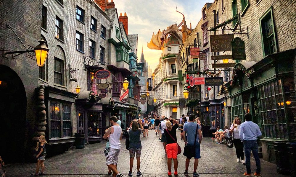 Diagon Alley 2 - Unsplash