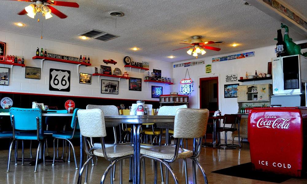 Midpoint Cafe 2 - Anneloes Keunen via Amerika Only-min