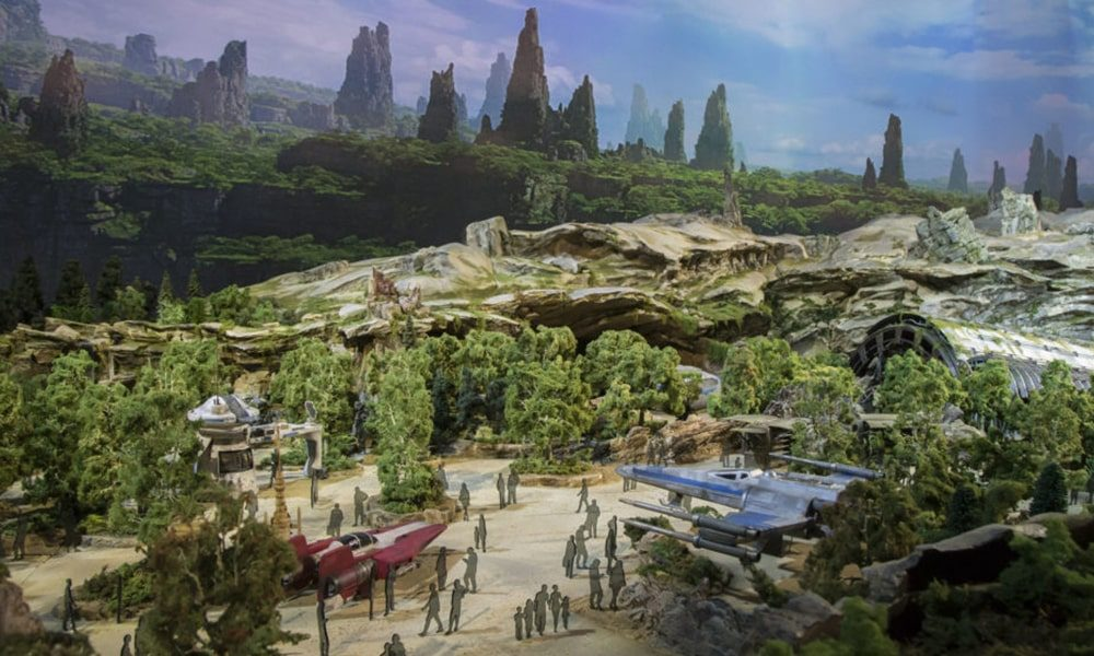 Star Wars Galaxy's Edge - Disney Parks