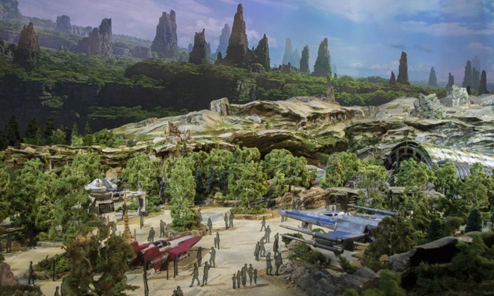 Star Wars Galaxy's Edge - Disney Parks