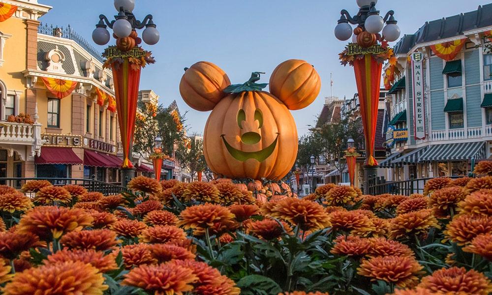 Disneyland 3 - Joshua Sudock via Disneyland Resort-min