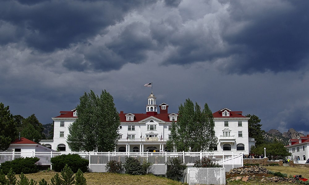 The Stanley Hotel - Pixabay-min