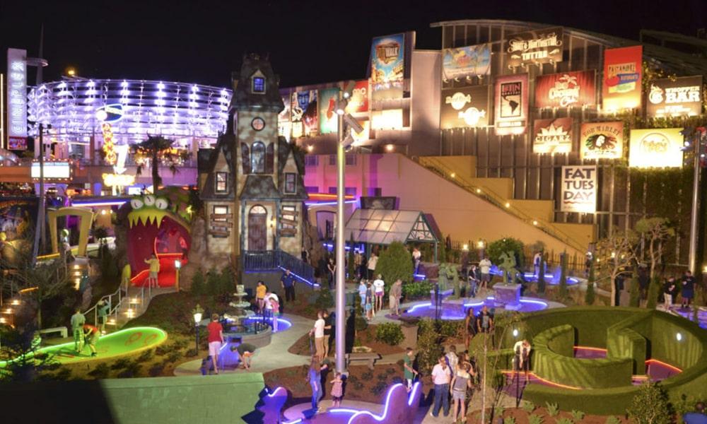 Hollywood Drive-In Golf - Universal Orlando Resort-min