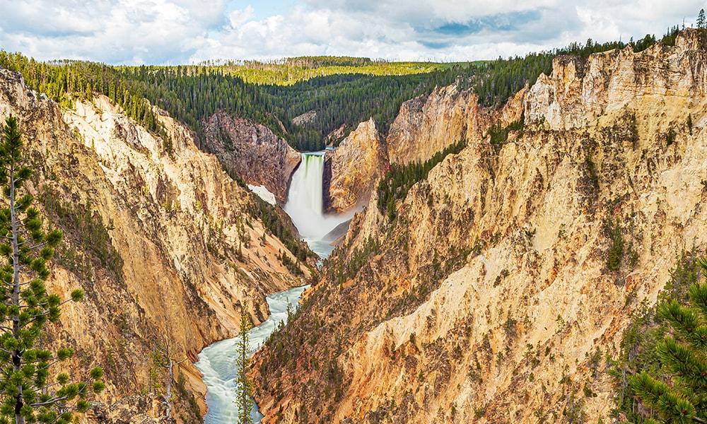 Yellowstone National Park - Unsplash