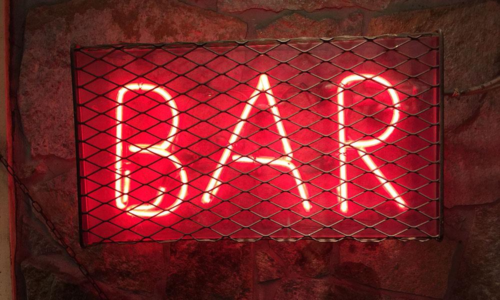 Bar - Unsplash